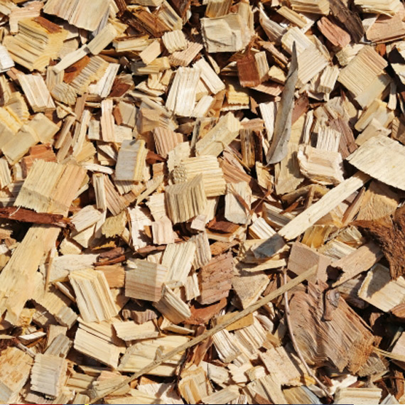 バイオマスの原料は、木くずや間伐材なども
